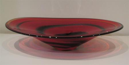Oval Bowl Cherry Red- Black Swirl by Ron van der Vlugt